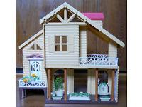 Large dolls house with garden, 38 x 27 x 38cm, multicoloured light