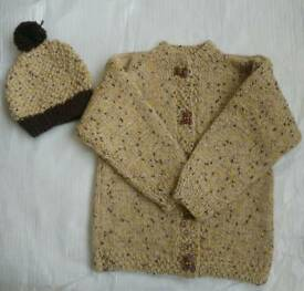 NEW BROWN HAND KNITTED BABY BOY JUMPER SWEATER & HAT SET 18-24 MONTHS HAND MADE