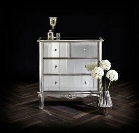 Stunning New Venetian Mirrored 4 Drawer Chest of Drawers RRP £699 Now on Special Offer Price