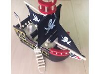 Le Toy Van Barbarossa Pirate Ship with 6 pirate budkins dolls £40