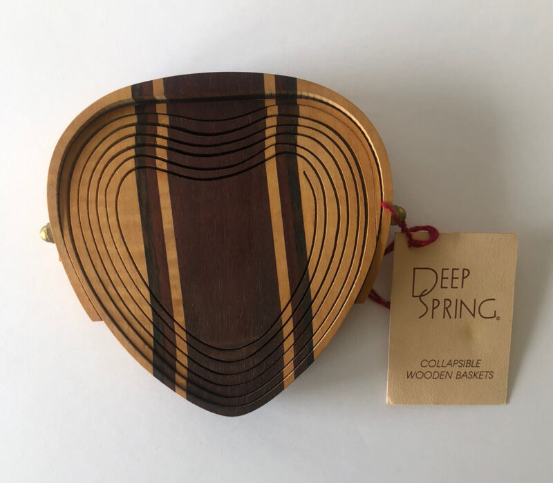 DEEP SPRING COLLAPSIBLE WOODEN HEART BASKET TRIVET-SIGNED-NEW WITH TAG