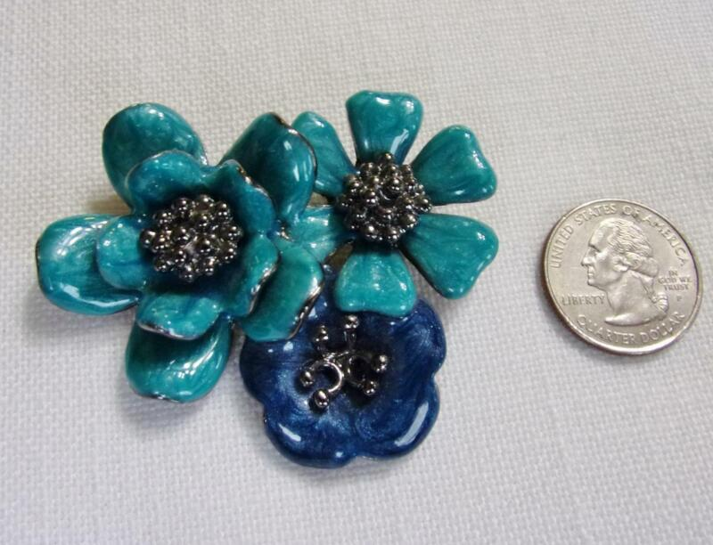Stunning Black Tone & Shades of Blue Floral Pin Brooch