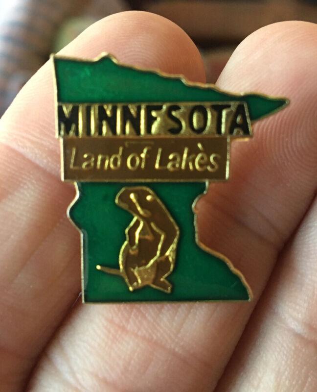 Minnesota enamel pin NOS vintage 80s tourist souvenir hat lapel bag NEW Beaver