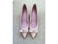 Amazing high heel