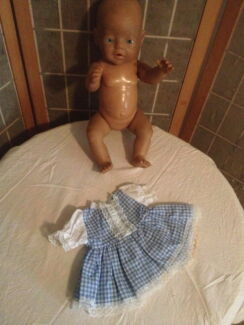 NEW BABY BORN DOLL CLOTHES - DRESS SETS (he276)