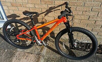 *** EXCELLENT *** Islabike Creig 24 kids mountain bike