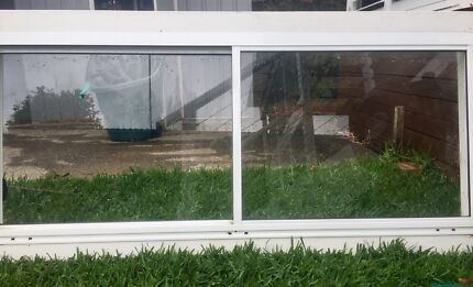 White Aluminium Sliding Window Timber Frame