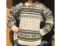 Chunky 100% Wool Jumper Hand Knitted in Nepal