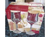 4 x wine glasses. New in the box.