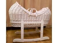 Clair de lune Noah pod moses basket white & white rocking stand