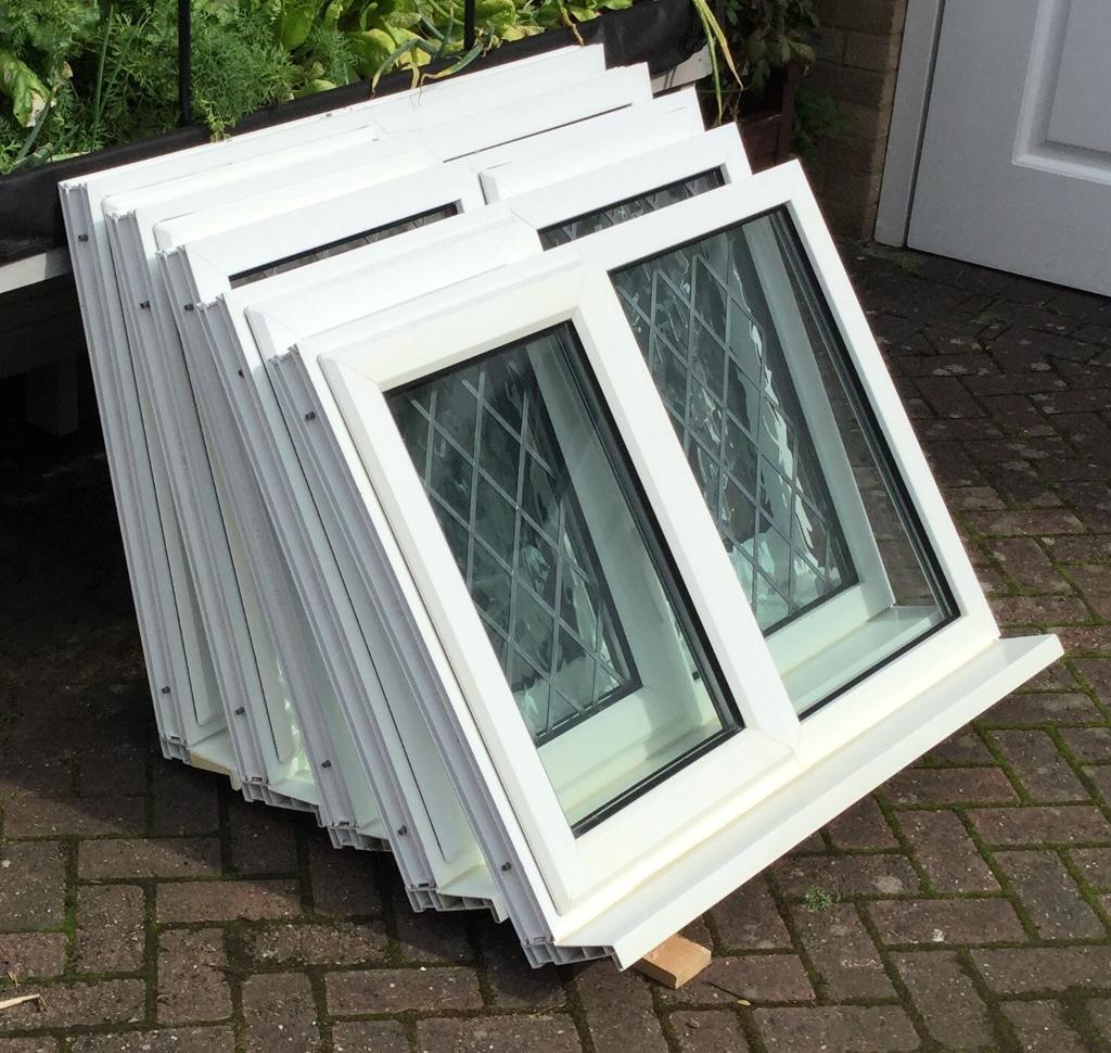 2 x WHITE UPVC DOUBLE GLAZED WINDOWS LOCKING & VENTING WITH DIAMOND LEADING  | in Allestree, Derbyshire | Gumtree