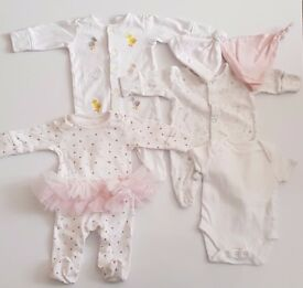 PACK of 6 - Baby Girl (1 month) 3 Sleep-suits, 1 bodysuit, 2 hats