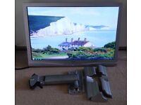 """20"""" LCD Monitor and VESA Mounting Arm"""