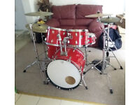 Starter 5 piece drum kit, with Evans/Remo skins, 5 cymbals, Yahama, Tama and Gibraltar hardware