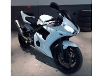 "STUNNING PEARLISED WHITE ""one off"" 2002 52 Yamaha YZF R6 NEVER SEEN THE RAIN!"