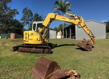 SUMITOMO EXCAVATOR 7.5t Woodford Moreton Area Preview