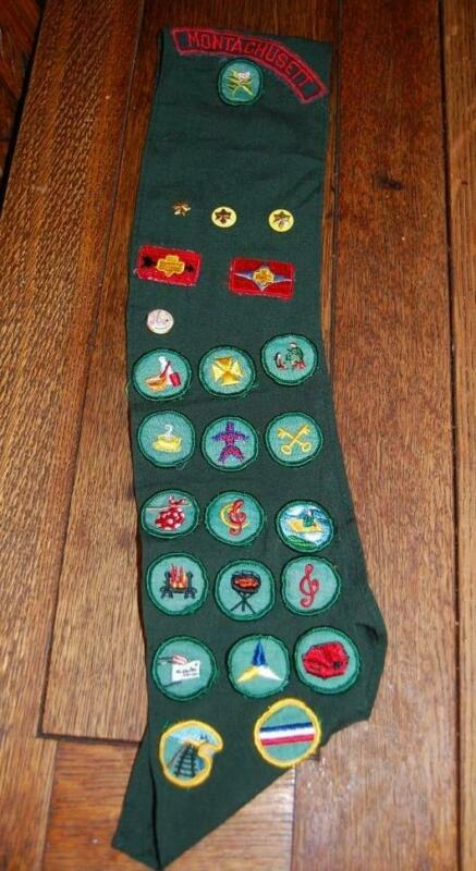VINTAGE MONTACHUSETT MA.  GIRL SCOUT UNIFORM SASH WITH MERIT PATCHES PINS