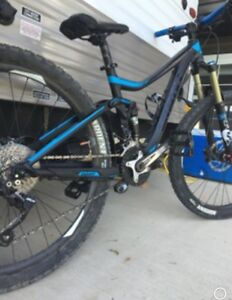 STOLEN!! 2015 GIANT TRANCE 2! from tunnel mountain park in Banff