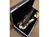 Emperor - Boosey & Hawkes Alto saxaphone used, hard case, plastic reed,