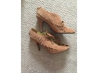 Ladies shoes size 9