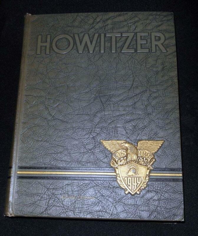 """1944 WEST POINT """"HOWITZER"""" YEARBOOK  JOHN EISENHOWER PRESIDENT"""