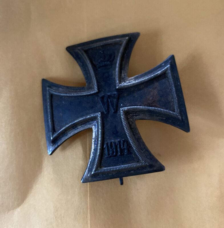 Vintage Original WWI Medal 1914 Iron Cross Germany Badge Pinback