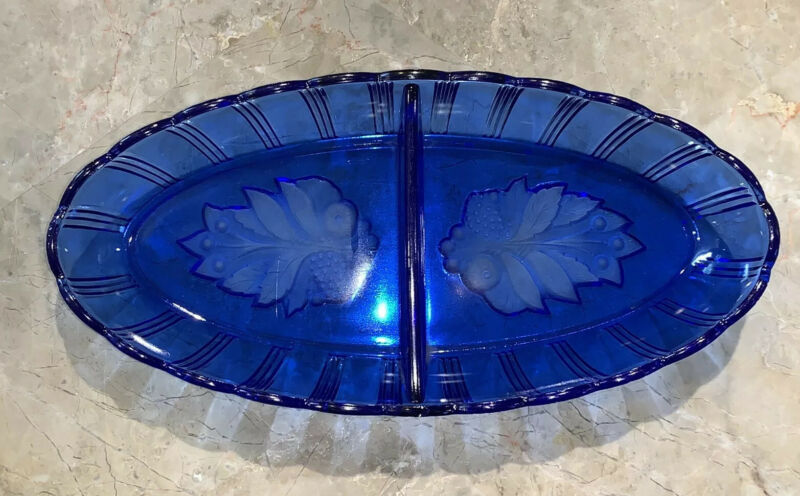 Rare L. E. Smith Glass No. 93 Cobalt Blue Itaglio Berries Divided Relish Dish