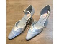 Ivory Satin shoes Size 39
