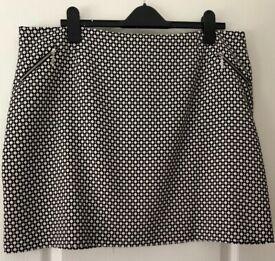 NEW-New Look Stunning Skirt- UK 18