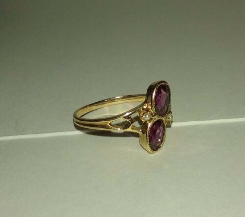 10K Solid Gold Antique Amethyst & Pearl Ring - Marked 1.8Grams Size6.5 No Res.