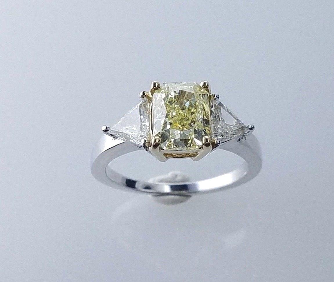 GIA 2.60CTW FANCY YELLOW RADIANT SI2 DIAMOND 3 STONE ENGAGEMENT WEDDING RING 3