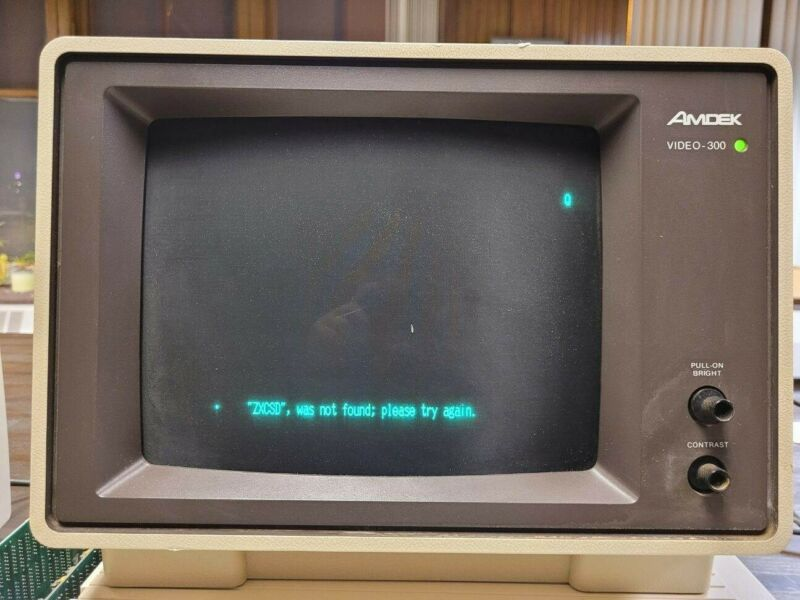 "1984 Amdek 300 Monochrome Anti-Glare 12"" Computer Monitor Original Amdek 300 Box"
