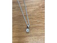 Stunning 0.05ct Diamond 9ct White gold pendant