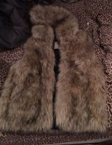 Aritzia Sunday Best Ovid Faux Fur Vest