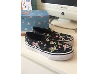 Boys uk size 12.5 toy story vans