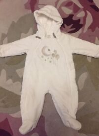 Mamas & papas Snowsuit As New 9/12 months
