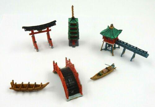VINTAGE MINIATURE 6 PC PAGODA LANDSCAPE VILLAGE JAPANESE BUILDINGS ACCESSORIES