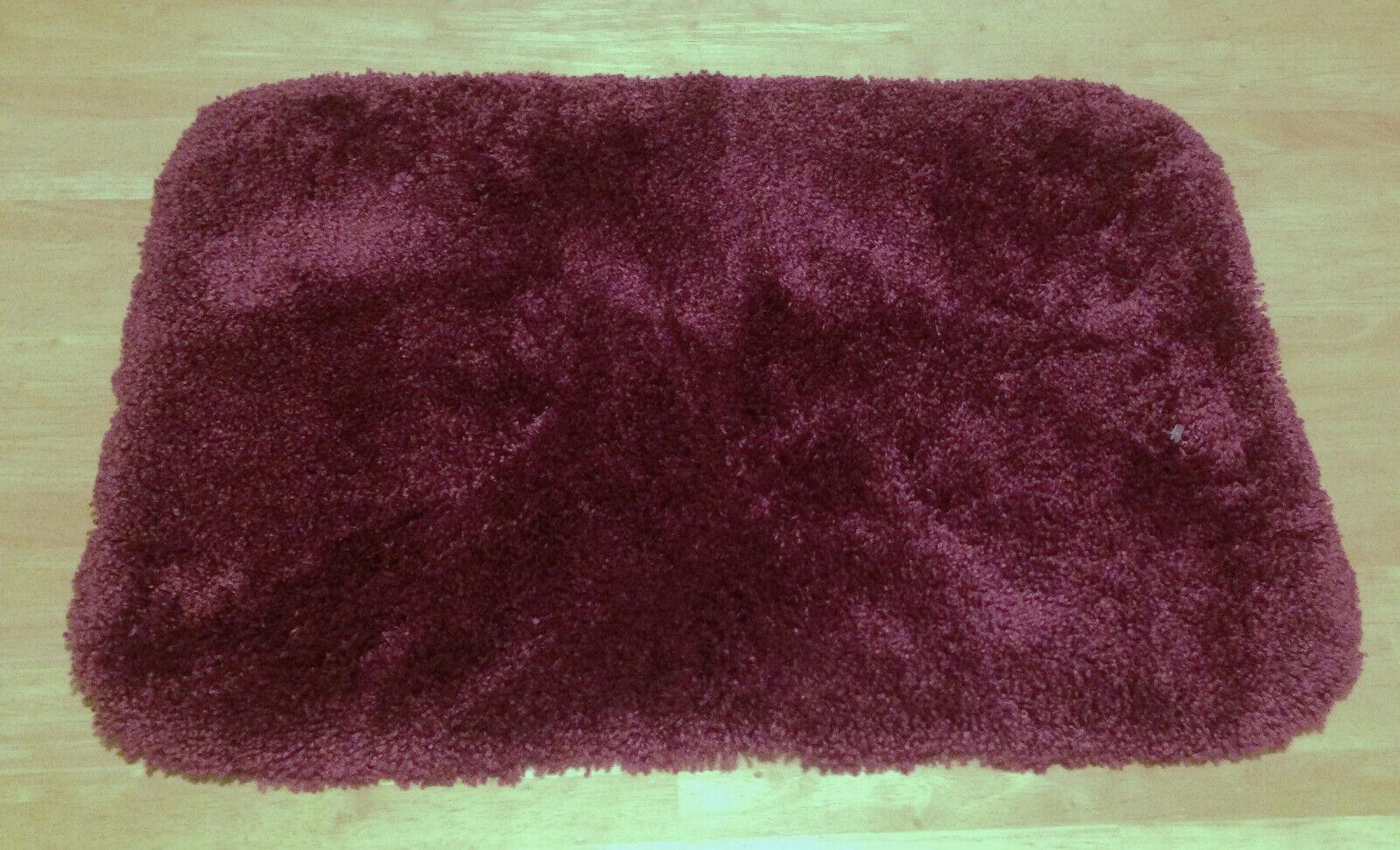 "Mowhawk Home Regency Bath Mat 17 x 24"" Burgundy Wine Nylon R"