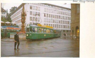 Basel, Düwag-Fahrzeug, S-Bahn Strassenbahn Foto e48-2