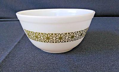 Vintage Pyrex # 402 Verde Green Square Flowers 1 1/2 Quart Mixing Nesting Bowl