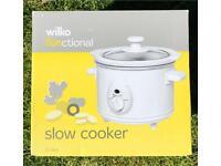 Brand New 1.5L White Slow Cooker in Orginal Box