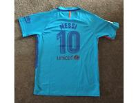 Kids Barcelona Messi Football Kit Brand New Never Worn