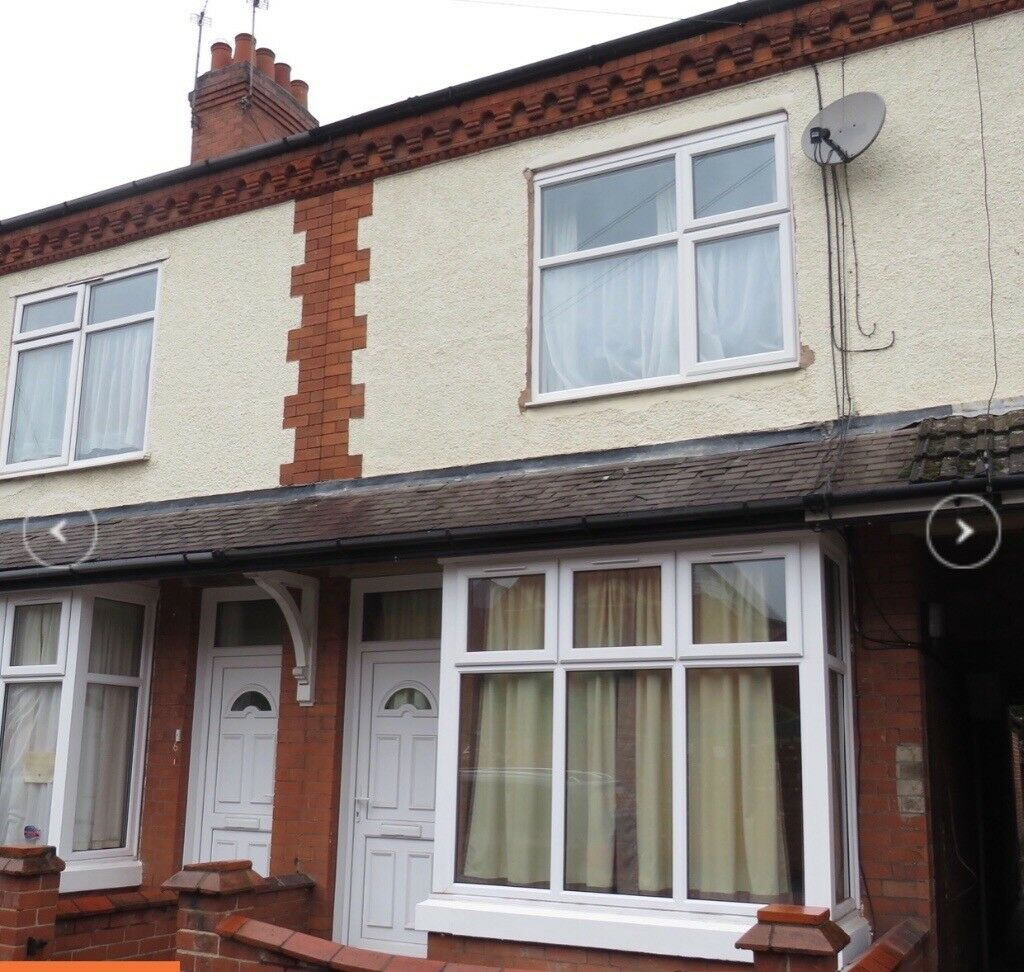 No place like Home -Centrally located , spacious,4 bed/2 bathrooms