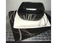 Black & Ivory Dinner Sets (Plates & Bowls)