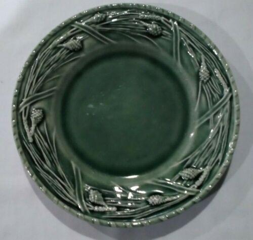 "Bordallo Pinheiro Large Green Pine 8-1/4"" Salad Plate BIN 1138"
