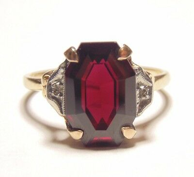 Vintage 14K 585 Solid Yellow & White Gold Two Tone Garnet & Diamond Accent Ring