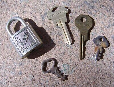 Lot 4 Vintage Keys (Weslock-Jeco-Cheney-Unmarked) and Lock (Slaymaker, no key)