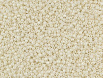 11/0 Off-White Cream Opaque Luster TOHO Round Glass Seed Beads 15 grams #123L ()