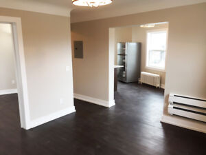 ** 1 bed with BRAND NEW EVERYTHING!!** 4.5O10