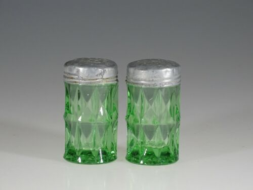 Vintage Deco Jeannette Glass Green Windsor Diamond Salt & Pepper Set c.1935